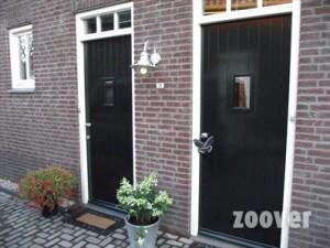 Aparte-voordeur-voor-elk-apartement-